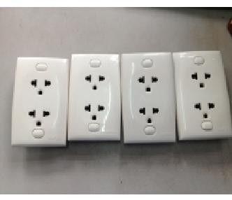 ổ cắm điện clipsal đôi 3 chấu