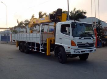 Xe cẩu 5 tấn Hino FC9JLSA